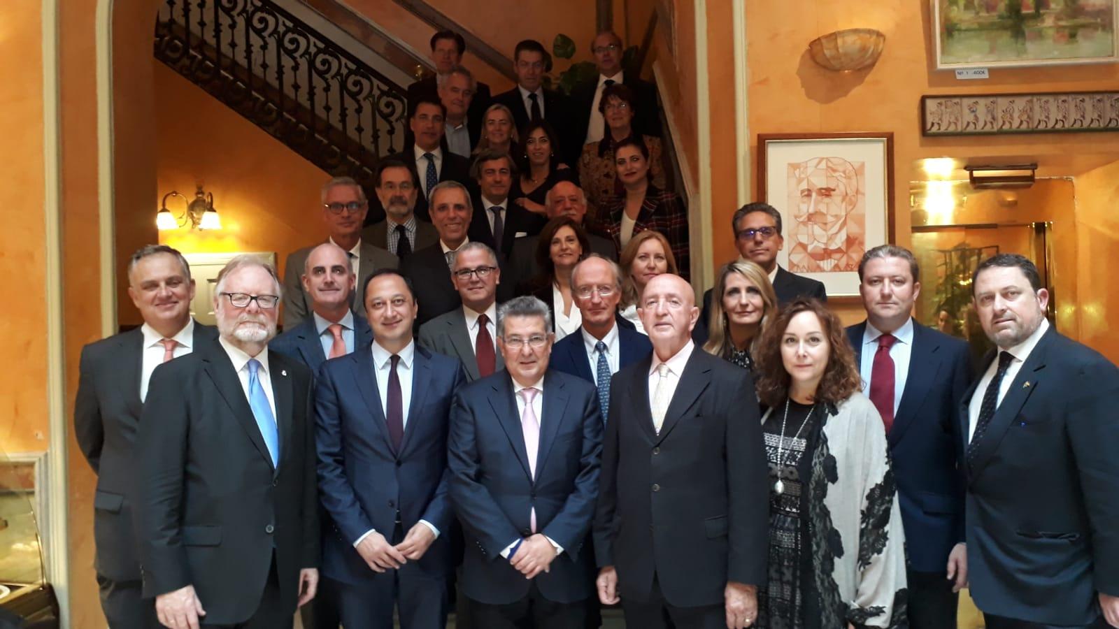 Recepción de la Asociación Cuerpo Consular de Sevilla a los Sres Delegados y Subdelegados del Gobierno de España, respectivamente en Sevilla